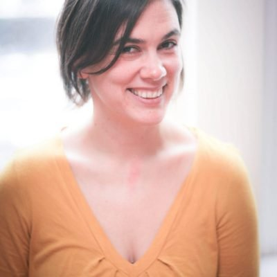 #34: Getting in touch with how we feel in our bodies (and much much more) with Janelle Hardy